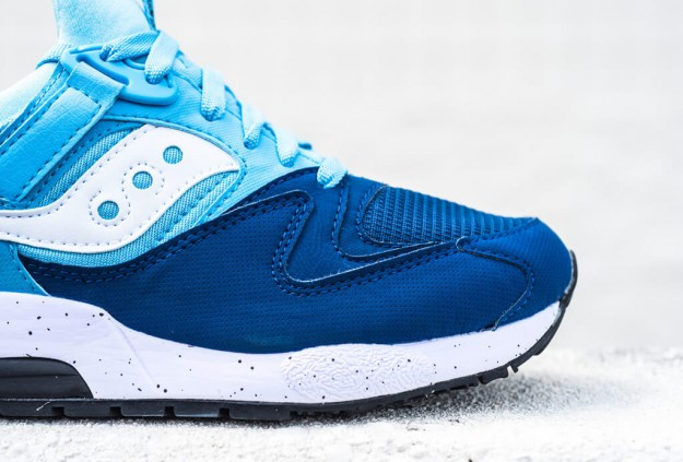 Grid 9000 Navy-Blue Sneaker by Saucony