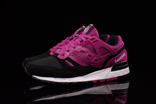Fuchsia-Black combos Saucony Grid SD Sneakers