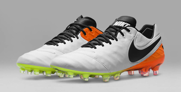 Men's Radiant Pack Tiempo Football Shoes by Nike