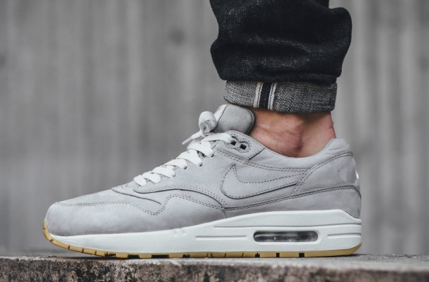 The Nike Air Max 90 And Air Max 1 Models Receive New Updates f9ec5be1b862