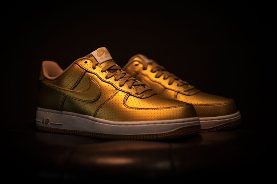 Spectacular Metallic Gold Air Force 1 by Nike