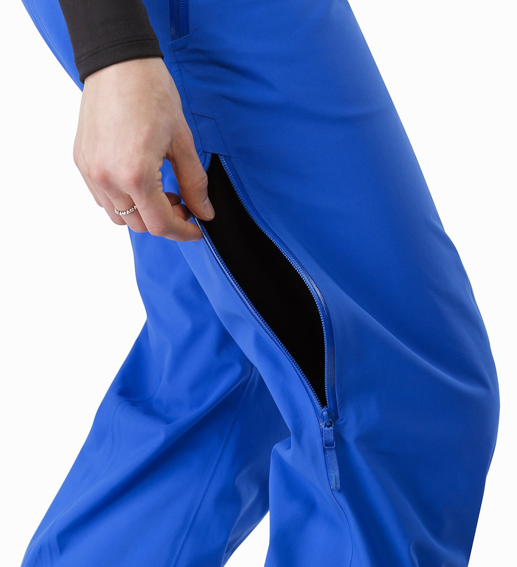Blue Stingray Pant for Women's by Arc'teryx, Pockets