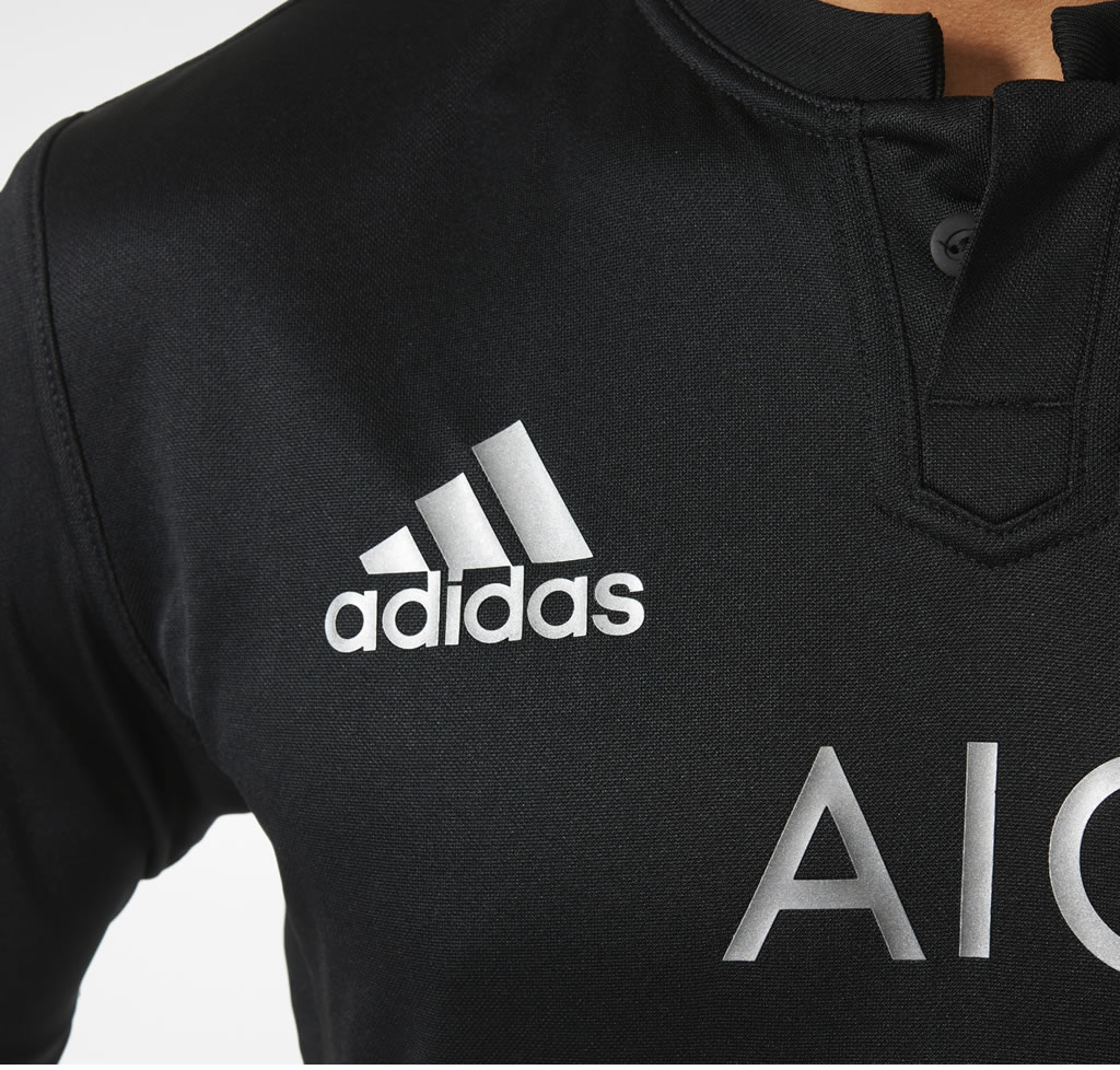 Men's rugby jersey by Adidas, Logo