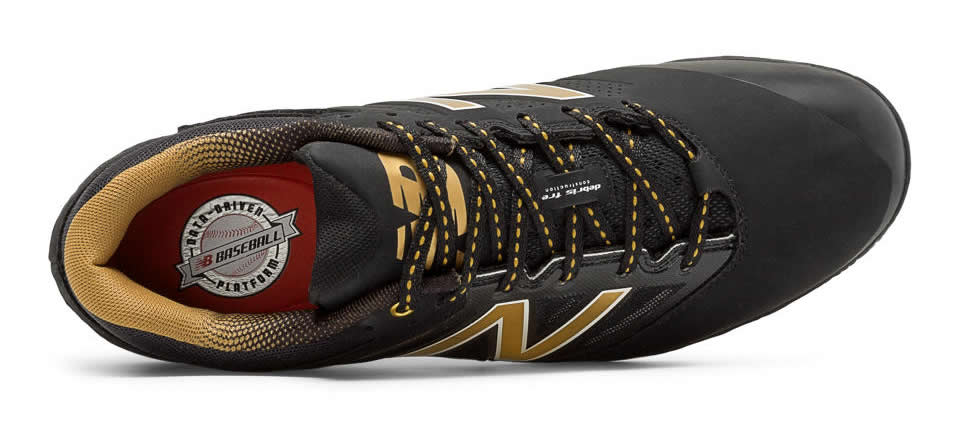 New Balance Baseball Metal Cleat
