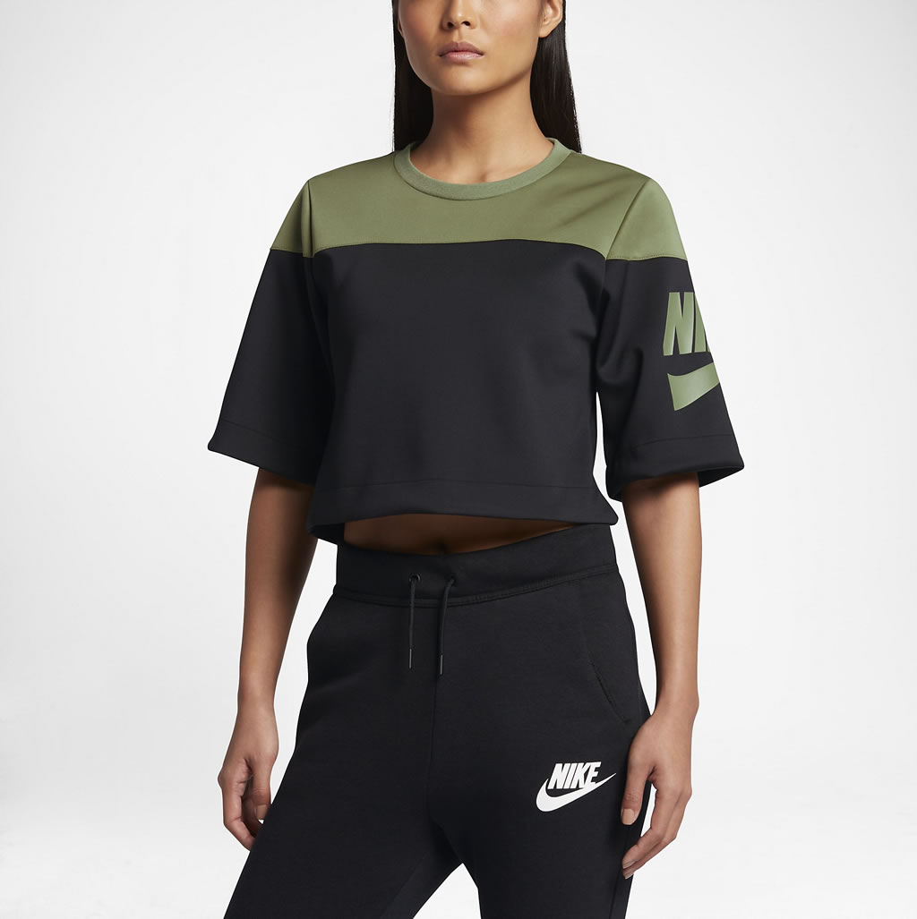 Green Women's Short Sleeve Top By Nike Sportswear