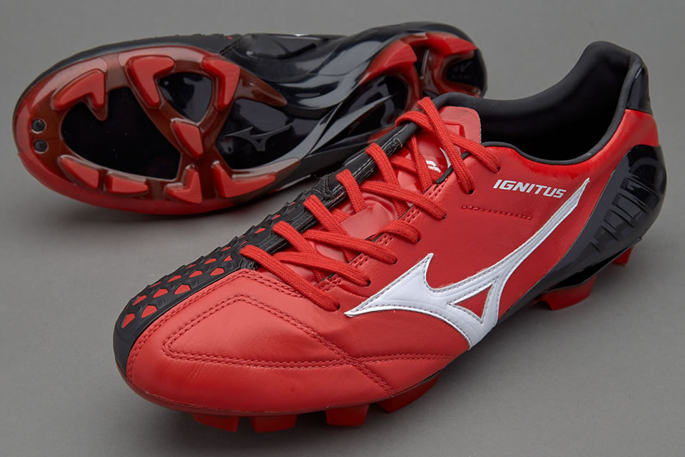 New Wave Ignitus 4 soccer shoes by Mizuno