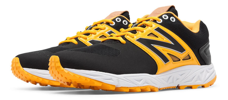 Yellow Turf 3000v3 Baseball Cleats By New Balance