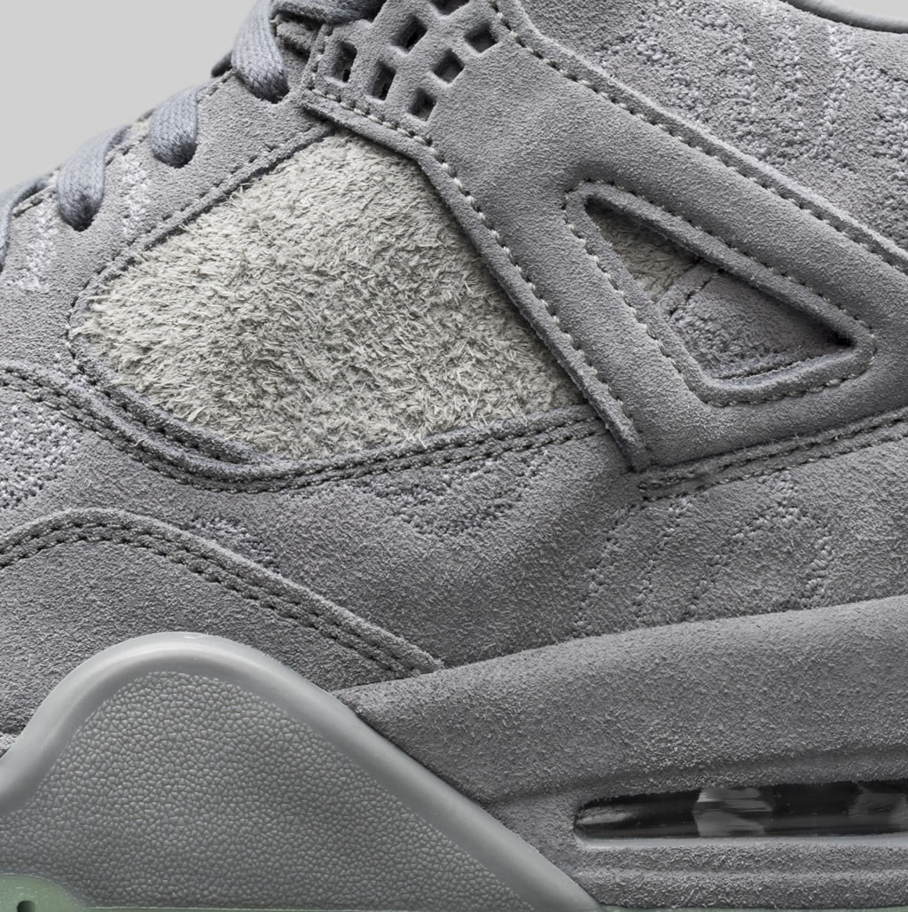 High-quality Jordan IV x KAWS Shoes