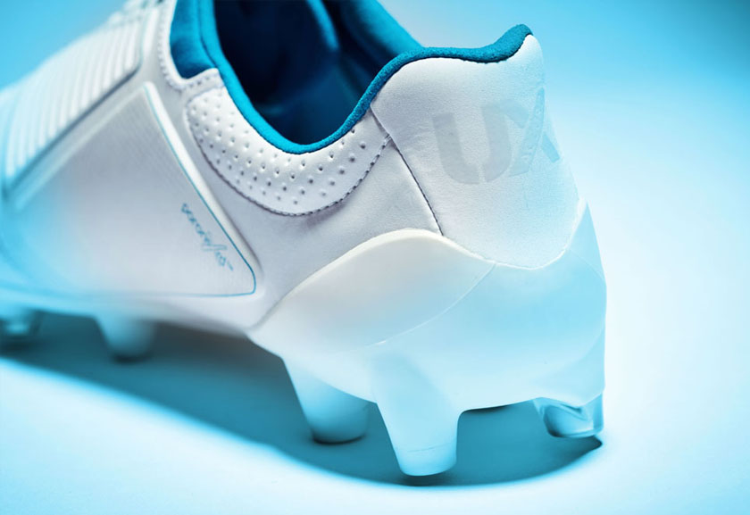 White UX Accuro Pro HG Football Boots, Heel Tab